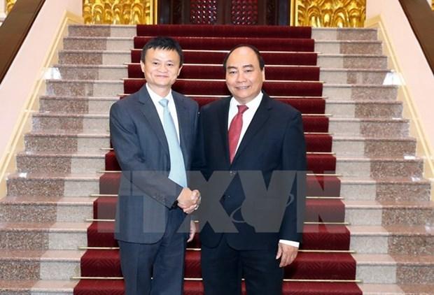 PM Nguyen Xuan Phuc welcomes Alibaba Chairman Jack Ma hinh anh 1