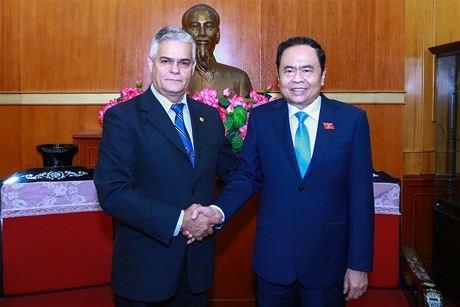 Vietnam, Cuba foster bilateral friendship hinh anh 1