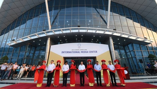 Foreign reporters satisfied with APEC 2017 int'l media centre hinh anh 1