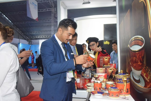 Typical Vietnamese products introduced to APEC 2017 delegates hinh anh 2