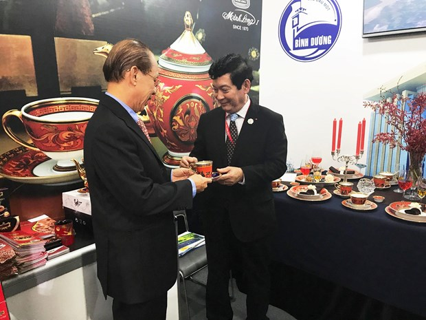 Typical Vietnamese products introduced to APEC 2017 delegates hinh anh 3