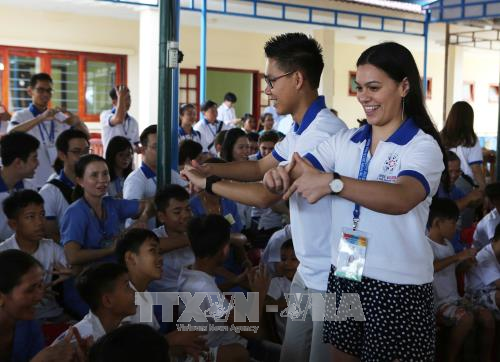 APEC 2017: Youth delegates visit Quang Nam province hinh anh 1