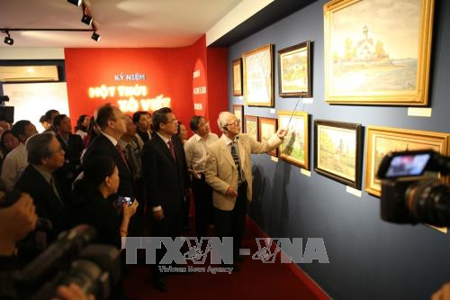 Painting exhibition on Soviet Union opens in Hanoi hinh anh 1