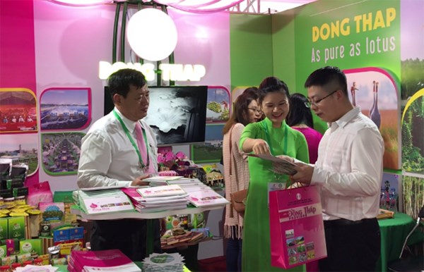 Typical Vietnamese products introduced to APEC 2017 delegates hinh anh 1