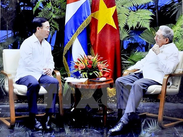Cuban leaders determined to develop traditional friendship with Vietnam hinh anh 1