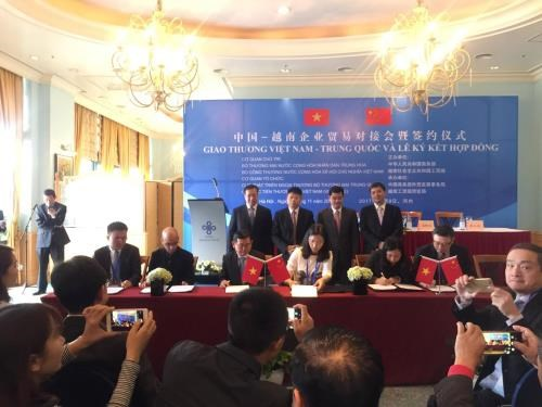 Vietnam, China bolster trade ties hinh anh 1