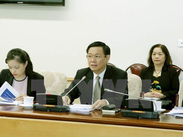 ILO offers wage reform recommendations to Vietnam hinh anh 1