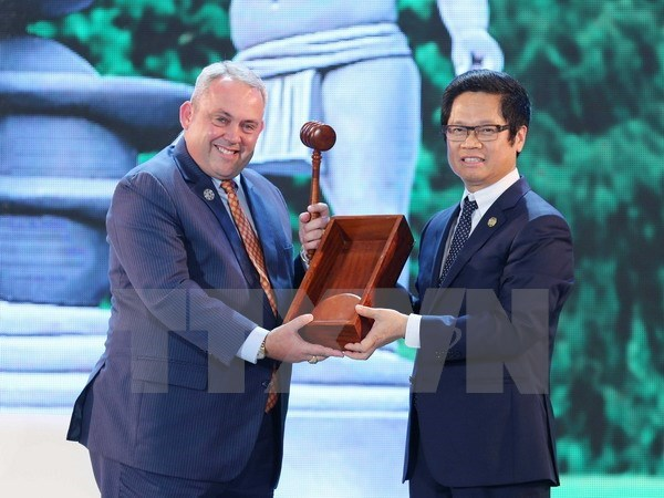 APEC 2017 CEO Summit wraps up hinh anh 1