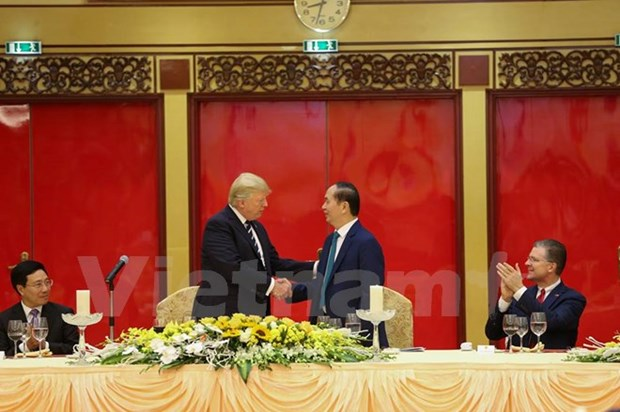 President hosts banquet in honour of US President hinh anh 1