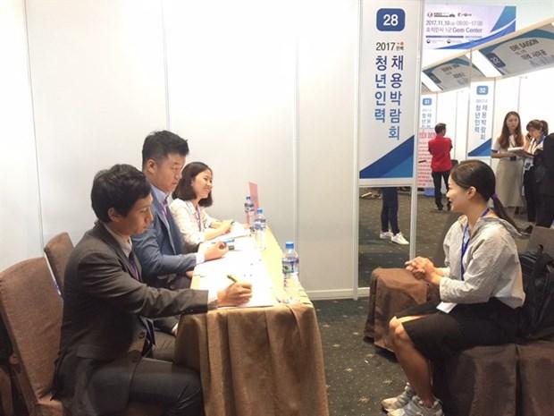 RoK firms hire at HCM City job fair hinh anh 1