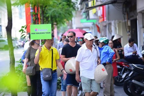 Hanoi hopes to welcome 23.83 million visitors in 2017 hinh anh 1