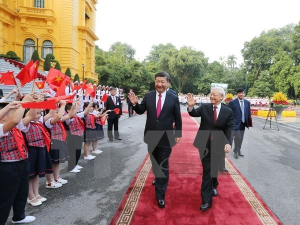 Vietnam, China secure 19 cooperation deals hinh anh 1