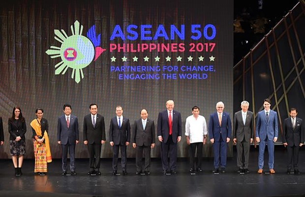 Vietnamese PM attends ASEAN Summit in Philippines hinh anh 1