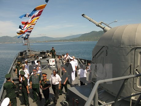 Vietnam attends first ASEAN multilateral naval drill hinh anh 1