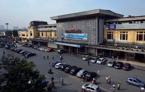 Hanoi asked to evaluate traffic density around railway station hinh anh 1