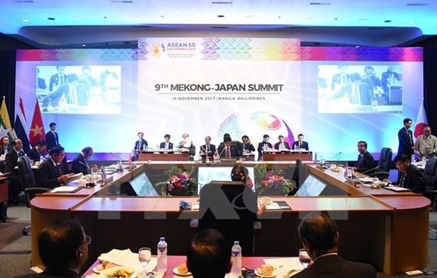 Vietnam leader calls for stronger ties at Mekong-Japan, ASEAN-UN summits hinh anh 1