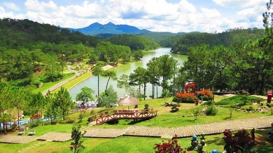 Lam Dong offers new tourism code of conduct hinh anh 1