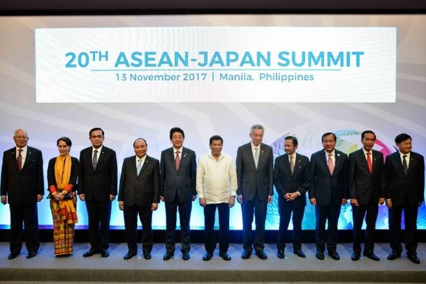 """Japan calls on ASEAN to promote """"free, open"""" regional order hinh anh 1"""