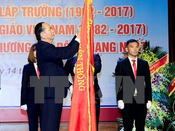 Hanoi Medical University asked to step up scientific research hinh anh 1