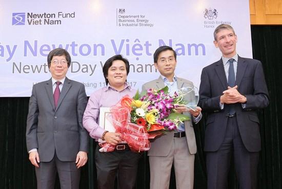 Vietnamese researchers win prestigious 2017 Newton Prize hinh anh 1