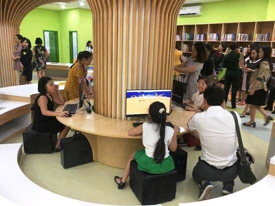 Int'l standard child library opens in Vietnam hinh anh 1