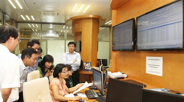 VN-Index hits new 10-year high on investor optimism hinh anh 1