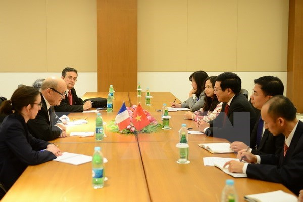 ASEM FMs' Meeting: Deputy PM meets foreign ministers hinh anh 1