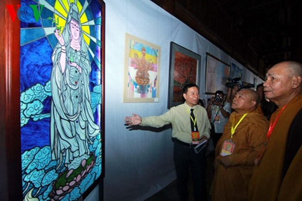 Exhibition features contemporary Buddhism hinh anh 1
