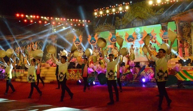 Khmer ethnic culture festival closes hinh anh 1