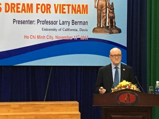 US author lectures on VN legendary spy Pham Xuan An hinh anh 1