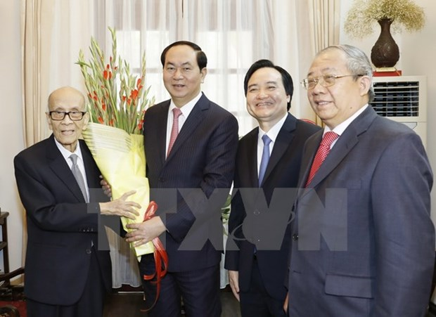 Leaders send greetings to teachers on Teachers' Day hinh anh 1