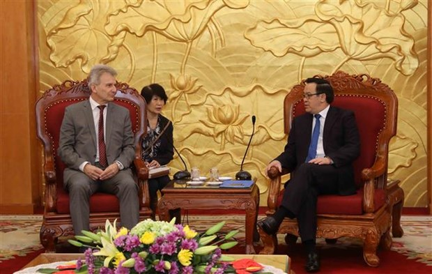 Austrian trade union visits Vietnam to boost ties hinh anh 1