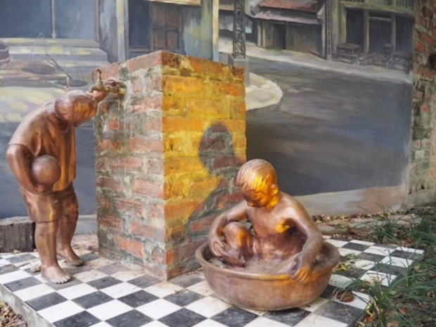 Private collection of People's Artist displayed in Hanoi hinh anh 1