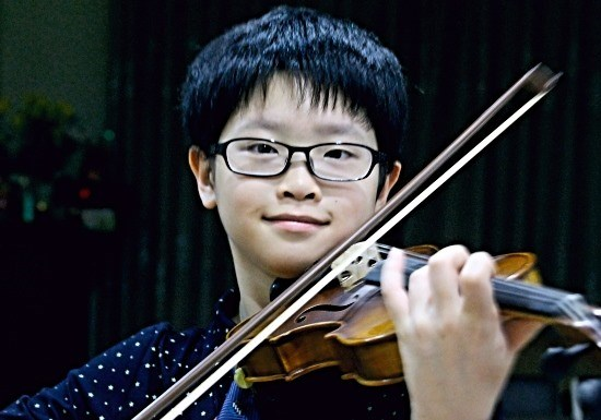 Vietnamese prodigy wins music award in Thailand hinh anh 1