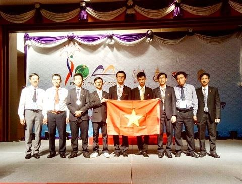 Vietnam wins two silvers at int'l astronomy Olympiad in Thailand hinh anh 1