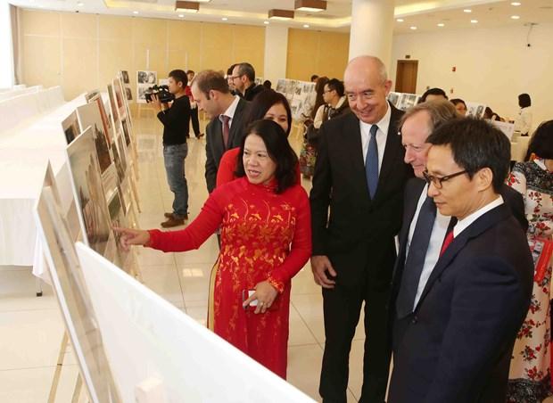 Meeting spotlights contribution of Vietnam Red Cross Society hinh anh 1