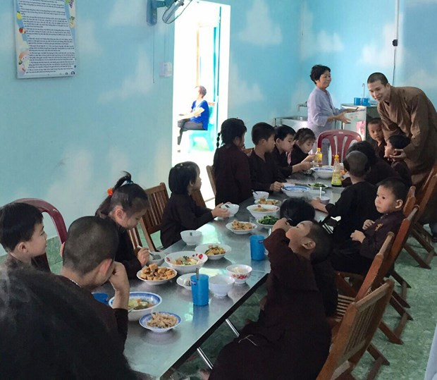 Buddhist followers join hands in ensuring social welfare hinh anh 1