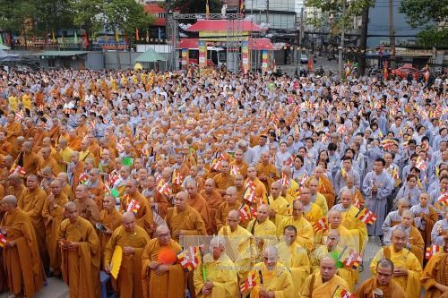 Buddhist followers join hands in ensuring social welfare hinh anh 7