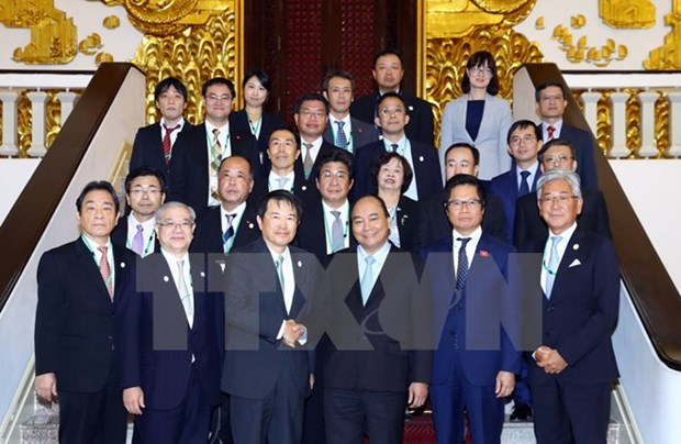 PM expects Japanese, Korean business expansion in Vietnam hinh anh 1