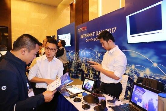 Vietnam celebrates 20 years of Internet hinh anh 1