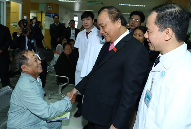 Prime Minister hails Central Eye Hospital for eye care efforts hinh anh 1