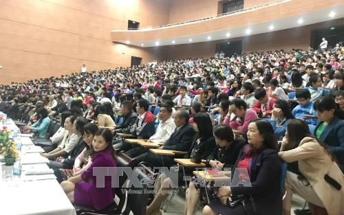 Education ministry calls for end to physical violence against children hinh anh 1