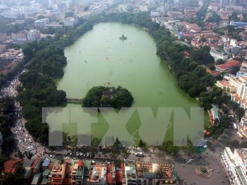 Hanoi to clean Hoan Kiem Lake by year end hinh anh 1