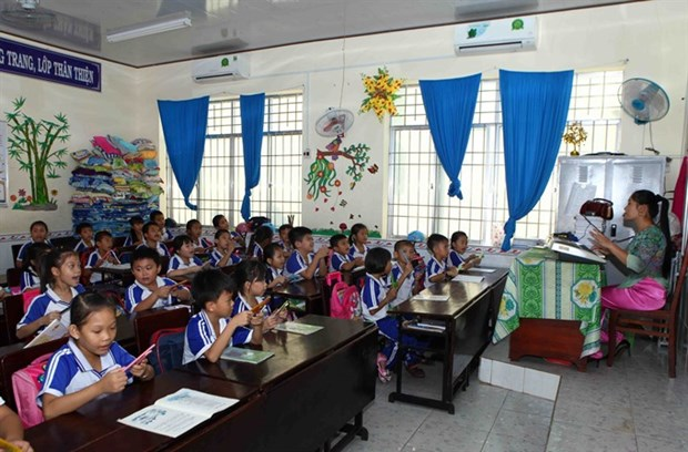 Gov't proposes tuition-free elementary, secondary education hinh anh 1