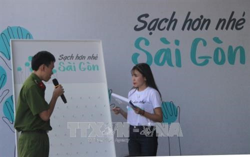 Environmental sanitation campaign launched in HCM City hinh anh 1
