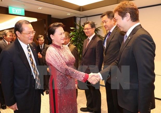 Top legislator hails Singaporean firms' cooperation initiatives hinh anh 1