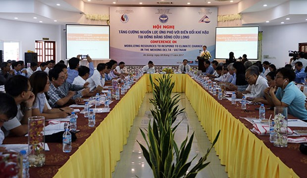 Mekong Delta needs various financial resources to tackle climate change hinh anh 1