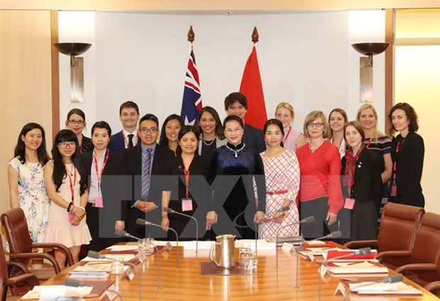 NA Chairwoman meets Australian students hinh anh 1