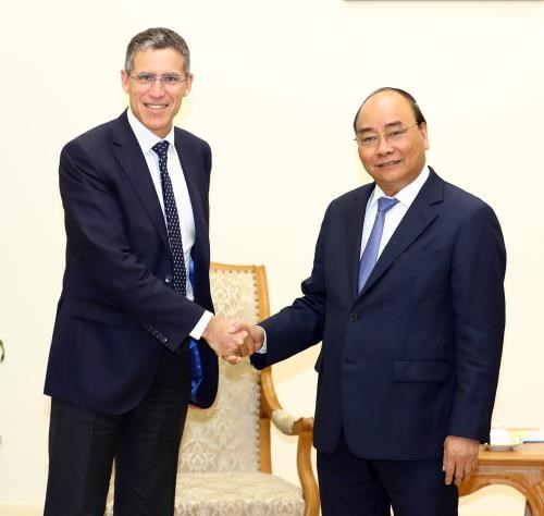 French group urged to expand investment in Vietnam hinh anh 1