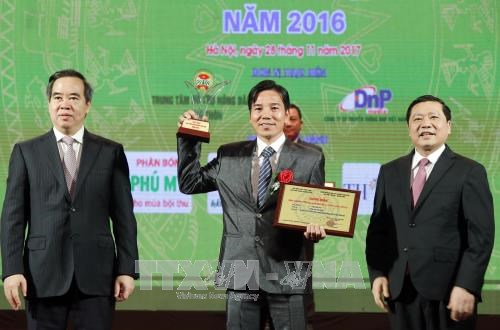 Outstanding farm products honoured hinh anh 1